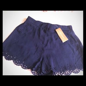 NWT Francesca's Boutique Navy Scallop Shorts M